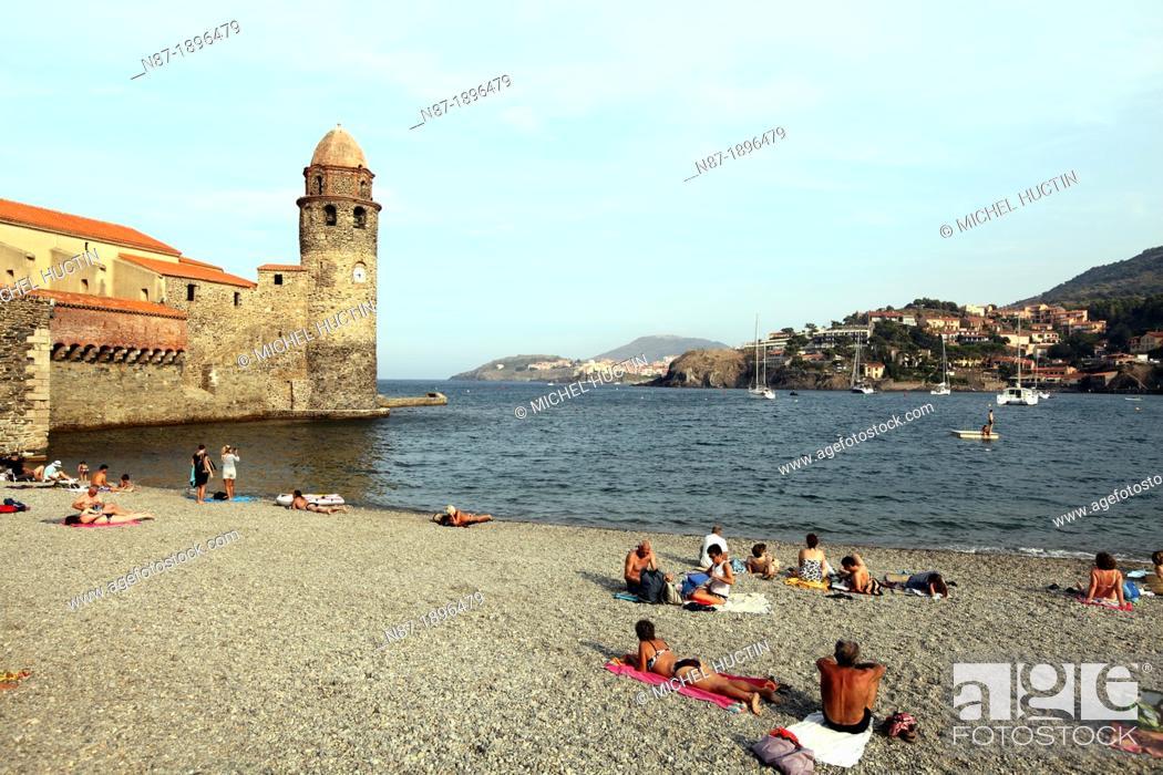 Stock Photo: Beach, Collioure, Pyrénées-Orientales, Southern France.