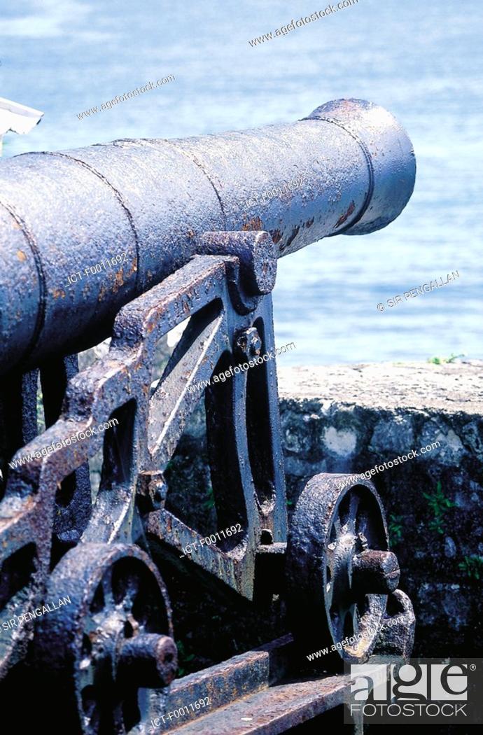 Stock Photo: Jamaica, Port Antonio, fortress, old gun.