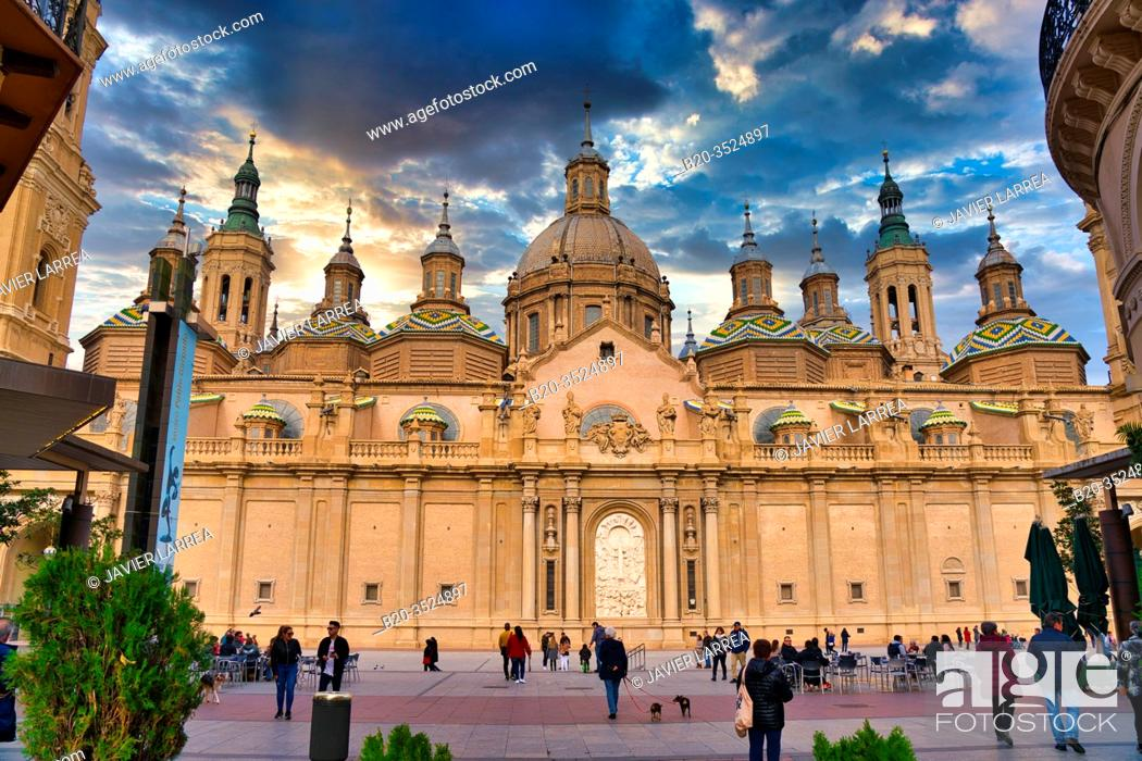 Imagen: Basilica Cathedral of Our Lady of Pilar, Alfonso I Street, Zaragoza, Aragon, Spain, Europe.