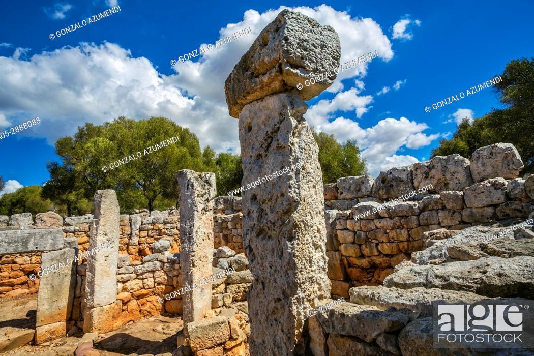 Imagen: Torre d'en Galmes Talayotic Village. Alaior Municipality. Minorca Island. Balearic Islands. Spain.