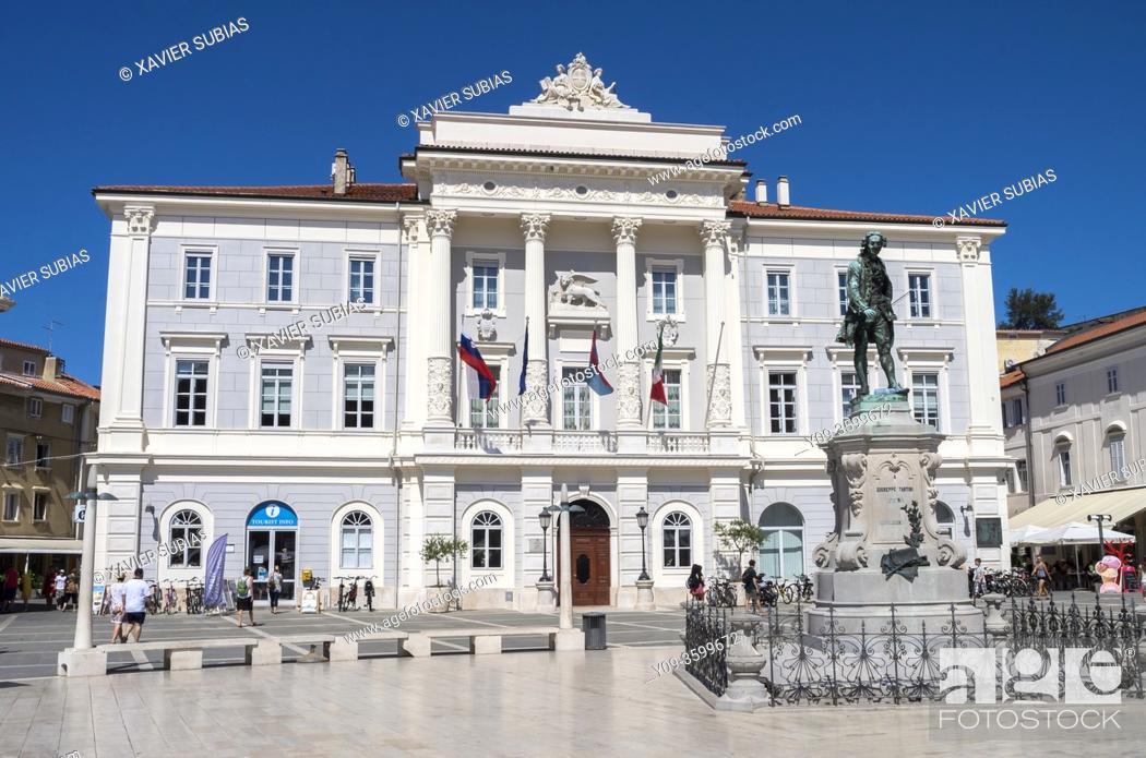 Stock Photo: Town hall and Giuseppe Tartini monument, Tartini Square, Piran, Slovenia.