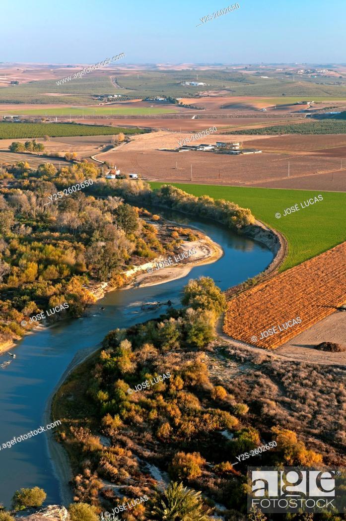 Stock Photo: Valley of the river Guadalquivir, Almodovar del Rio, Cordoba province, Region of Andalusia, Spain, Europe.