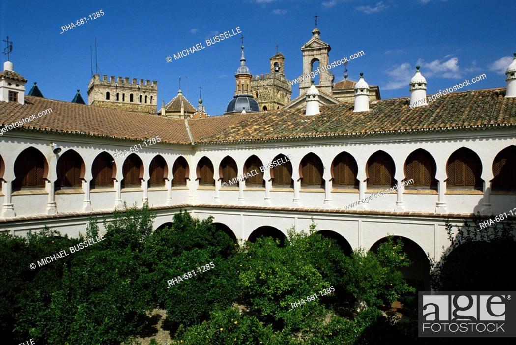 Stock Photo: Monastery and parador, Guadalupe, Caceres region, Extramadura, Spain, Europe.