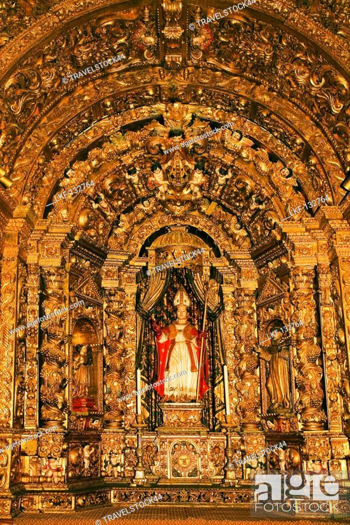 Stock Photo: Portugal Algarve Faro old town center kathedral Largo da Se interieur, Talha Dourada Altar.