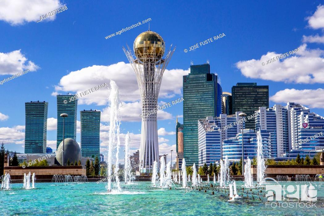 Imagen: Kazakhstan, Astana City, New Administrative City, Nurzhol Avenue , Bayterek Monument, Singing Fountains Square.