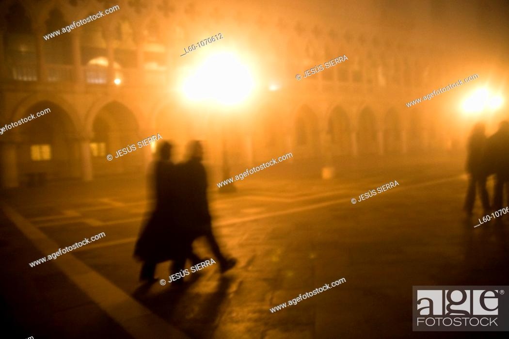 Stock Photo: Fog in the nigth, San Marco, Venice, Italy.
