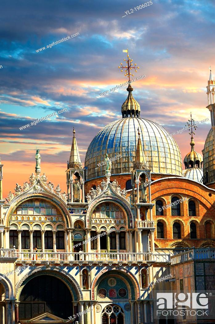 Stock Photo: Facade with Gothic architecture and Romanesque domes of St Mark's Basilica, Venice.