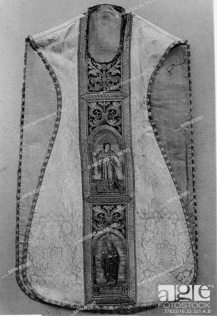 Imagen: Chasuble. Date: 16th century; Culture: Italian or Spanish; Medium: Silk with metal thread or nué; Dimensions: L. 48 inches (121.