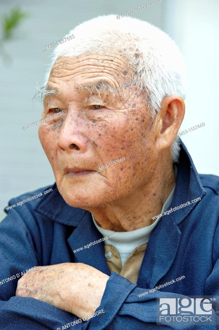 Stock Photo: Old asian men with white hair  Macau  China.