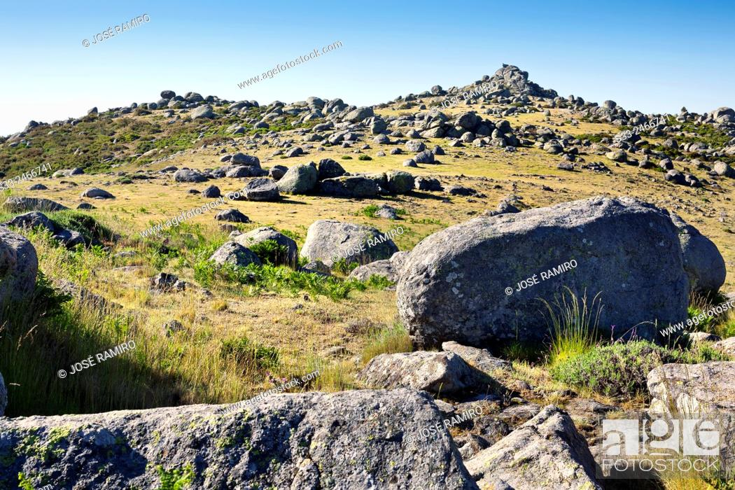 Stock Photo: Caballera cliff in the Sierra de Gredos. Avila. Castilla Leon. Spain. Europe.