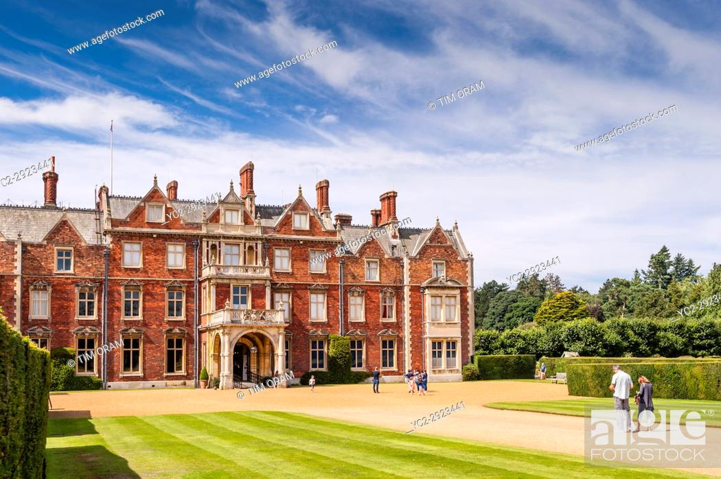Stock Photo: Visitors at Sandringham on a beautiful summers day.