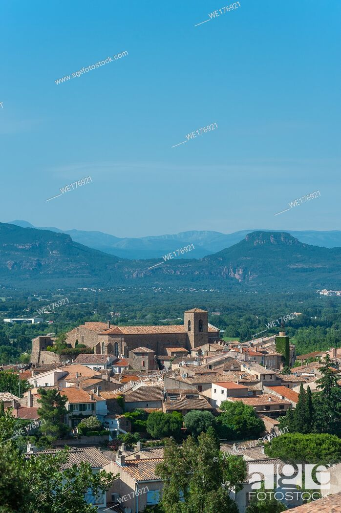 Stock Photo: Cityscape with the church Saint-Pierre-Saint-Paul, Roquebrune-sur-Argens, Var, Provence-Alpes-Cote d`Azur, France, Europe.