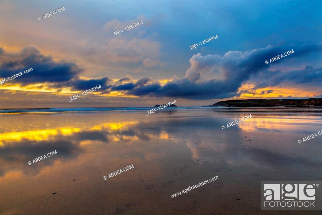 Stock Photo: Godrevy Sunset - Cornwall - UK.