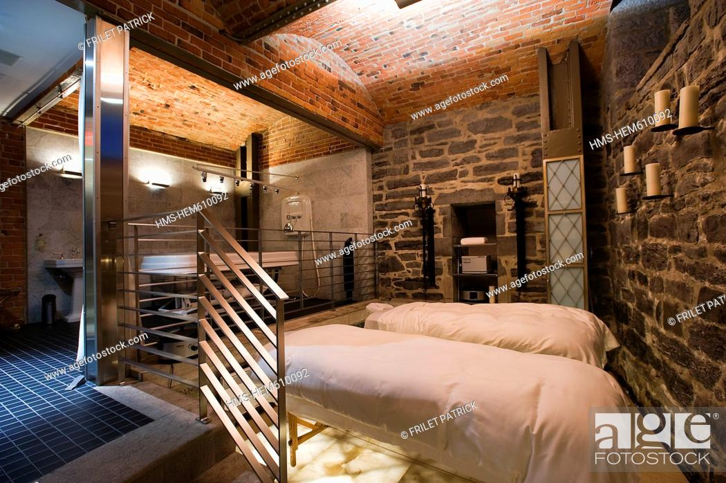Stock Photo: Canada, Quebec province, Montreal, Hotel St James is located in a former bank and is the most luxurious of the city, the old vault built in spa.