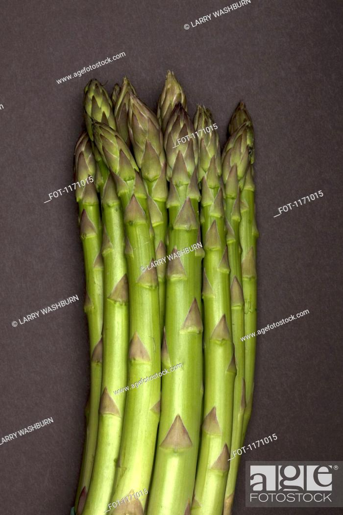 Stock Photo: A bunch of asparagus, close-up.