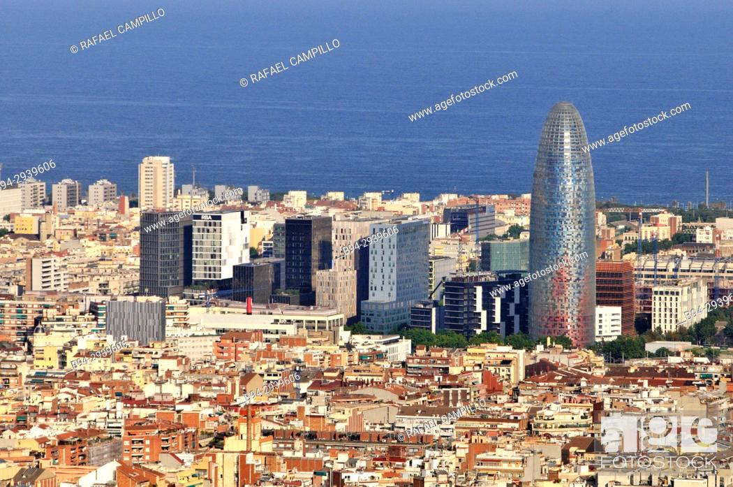 Imagen: General view of Barcelona from Turó del Carmel with the Agbar tower. Catalonia. Spain.
