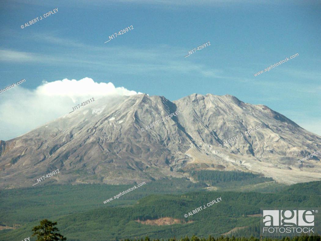 Stock Photo: Mount St. Helens smoke venting. Washington, USA.