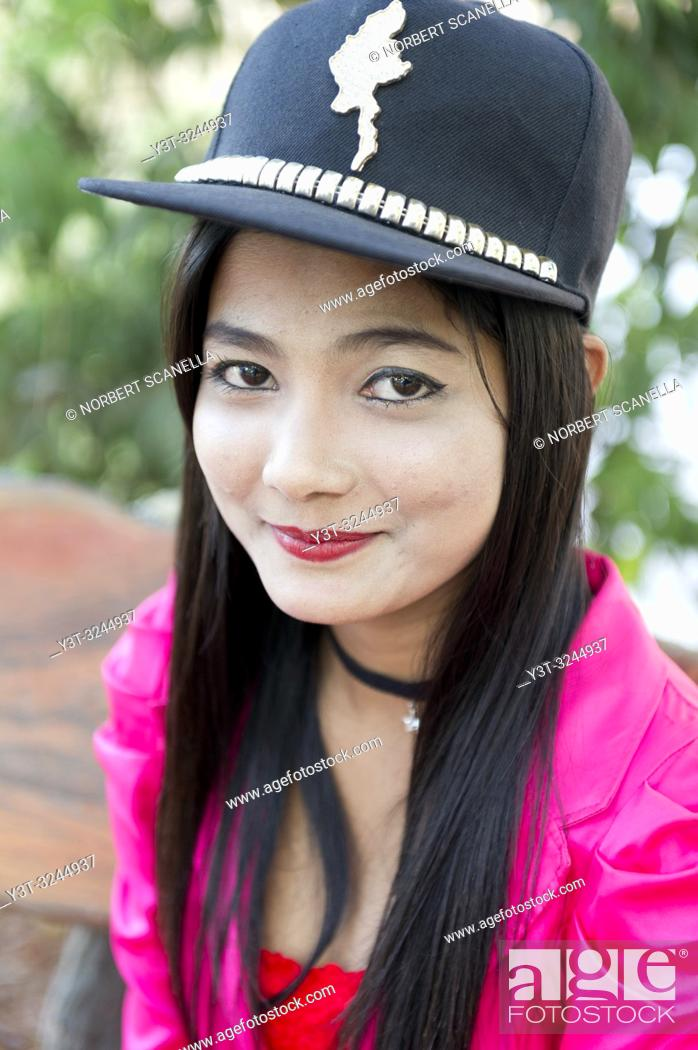 Stock Photo: Myanmar (formerly Burma). Kayin State (Karen State). Hpa An. Portrait of a young burmese.
