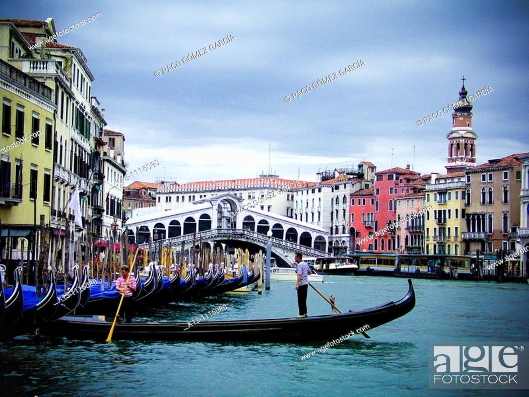 Stock Photo: Rialto Bridge and Grand Canal, Venice, Veneto, Italy.
