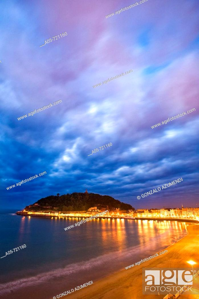 Stock Photo: La Concha beach, San Sebastian. Guipuzcoa, Basque Country, Spain.