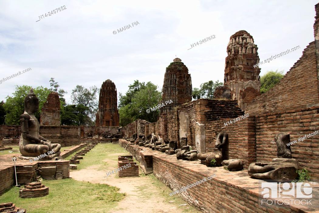 Stock Photo: Ayutthaya, Wat Mahathat ruins. Thailand, Asia.