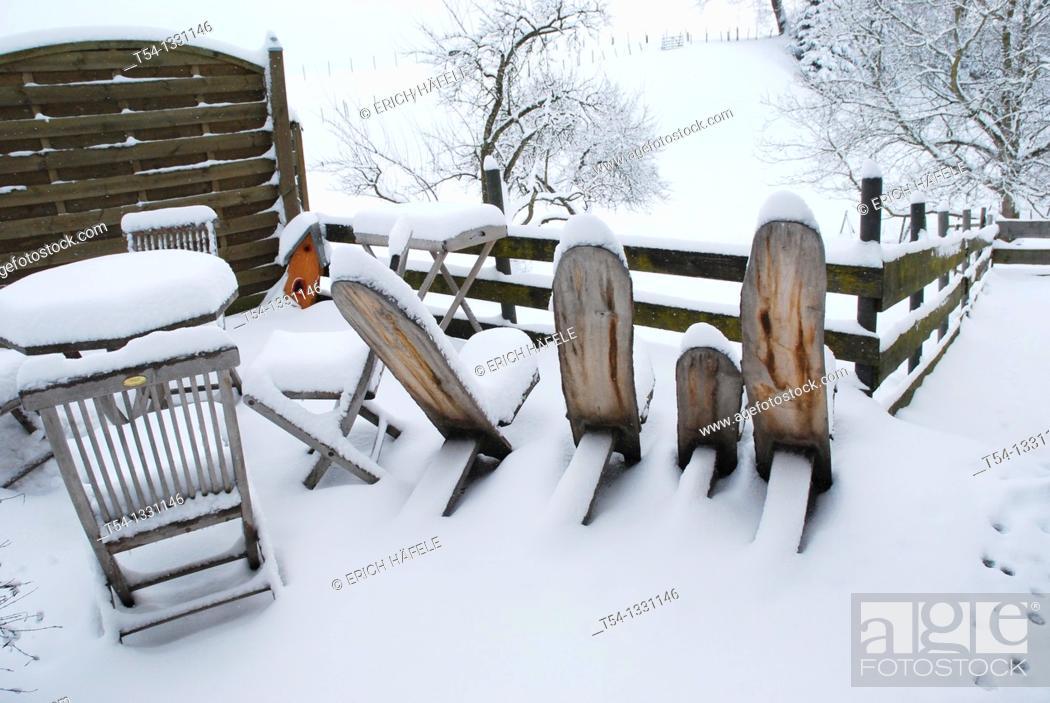 Stock Photo: Winter in a German Garden.