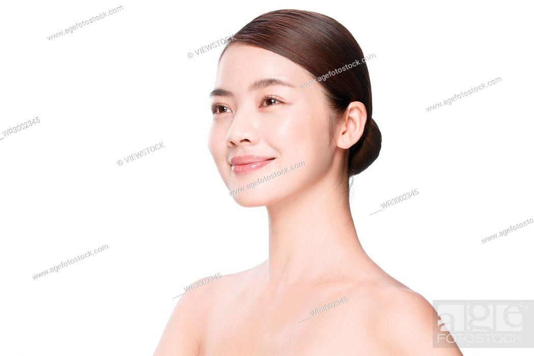 Imagen: The young woman makeup portrait.