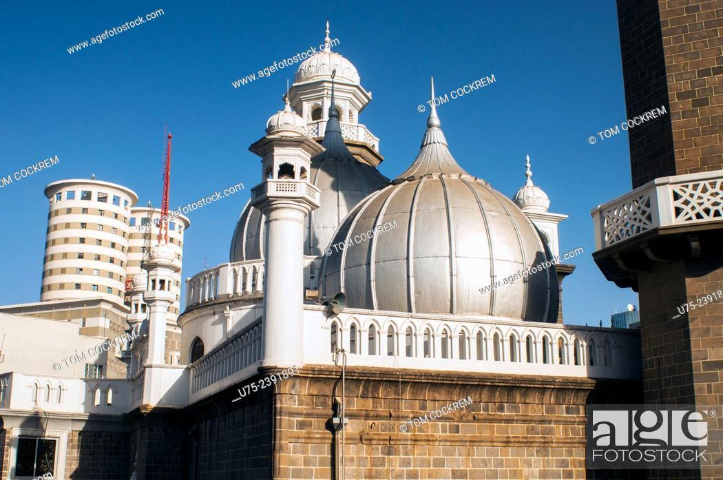 Stock Photo: Jamia Mosque with Nation Centre in background, Nairobi CBD, Kenya.