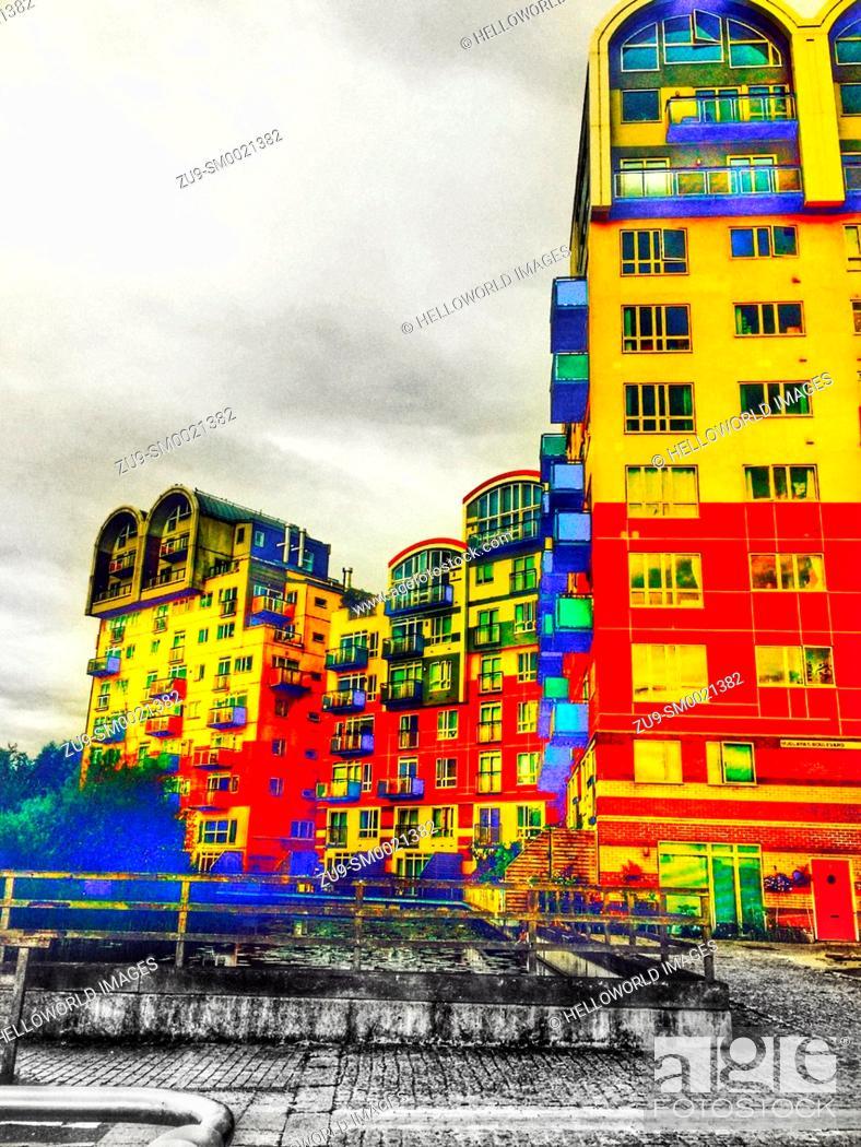 Stock Photo: Bright coloured apartments, Greenwich Millennium village, Greenwich peninsula, London, England.
