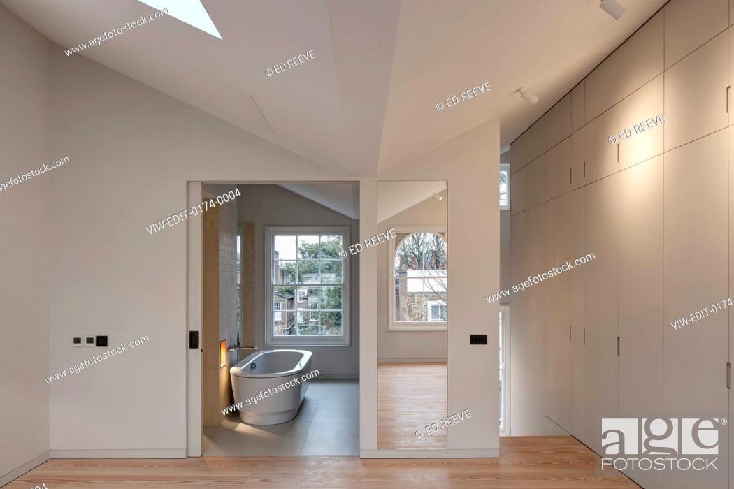 Imagen: Bedroom view. Residence Ockendon Road, London, United Kingdom. Architect: APA London , 2016.