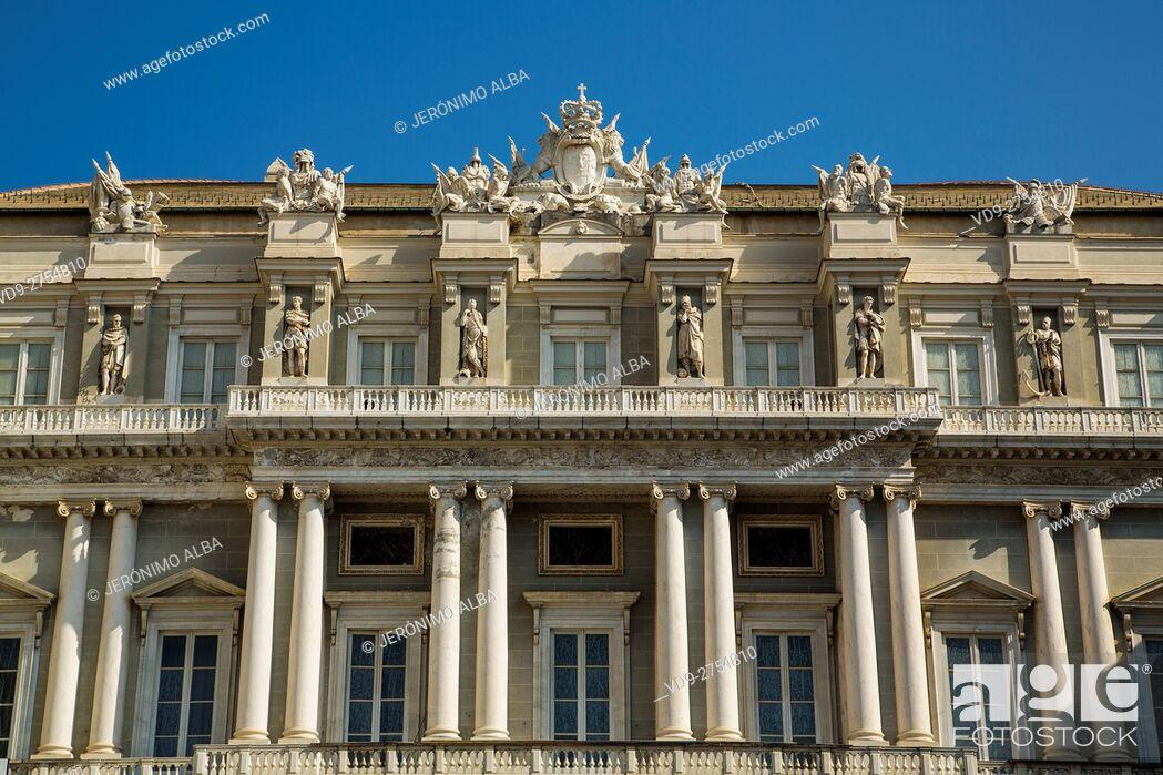Imagen: Palazzo Ducale, Piazza Matteotti, historic center. Old Twon. Genoa. Mediterranean Sea. Liguria, Italy Europe.