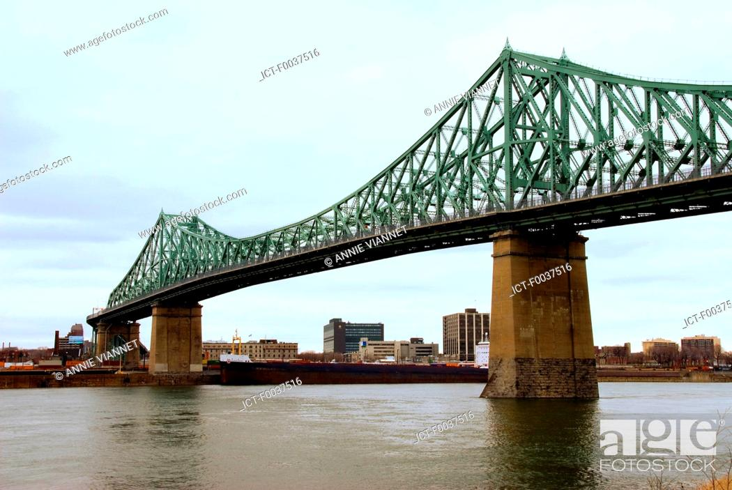 Stock Photo: Canada, Quebec, Montreal, Jacques Cartier bridge, view from Saint Helen's island.