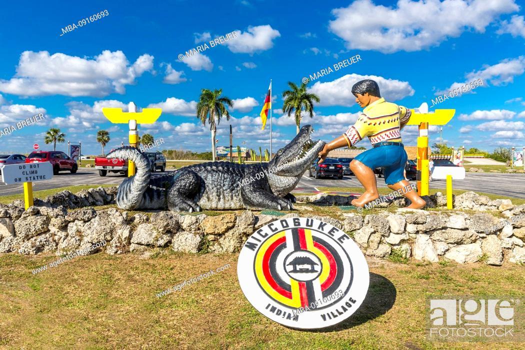 Stock Photo: Entrance with Alligator Sculpture, Miccosukee, Indian Village, Everglades National Park, Florida, USA, North America.