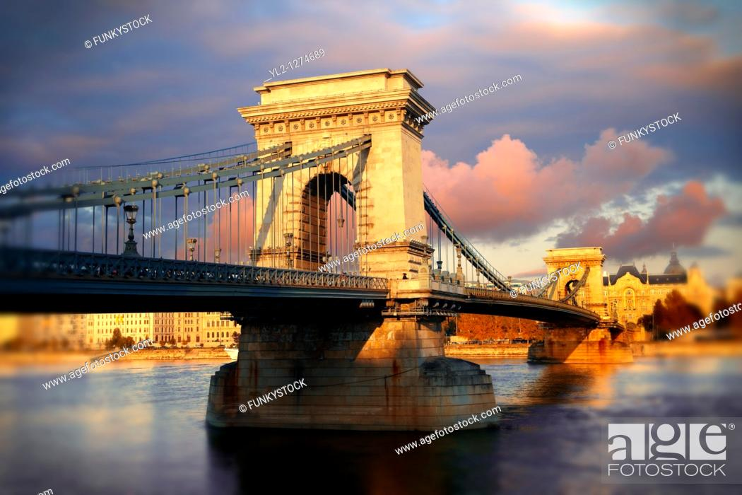Stock Photo: Szecheni Lanchid  Chain Bridge   Suspension bridge over the Danube betwen Buda & Pest  Budapest Hungary.