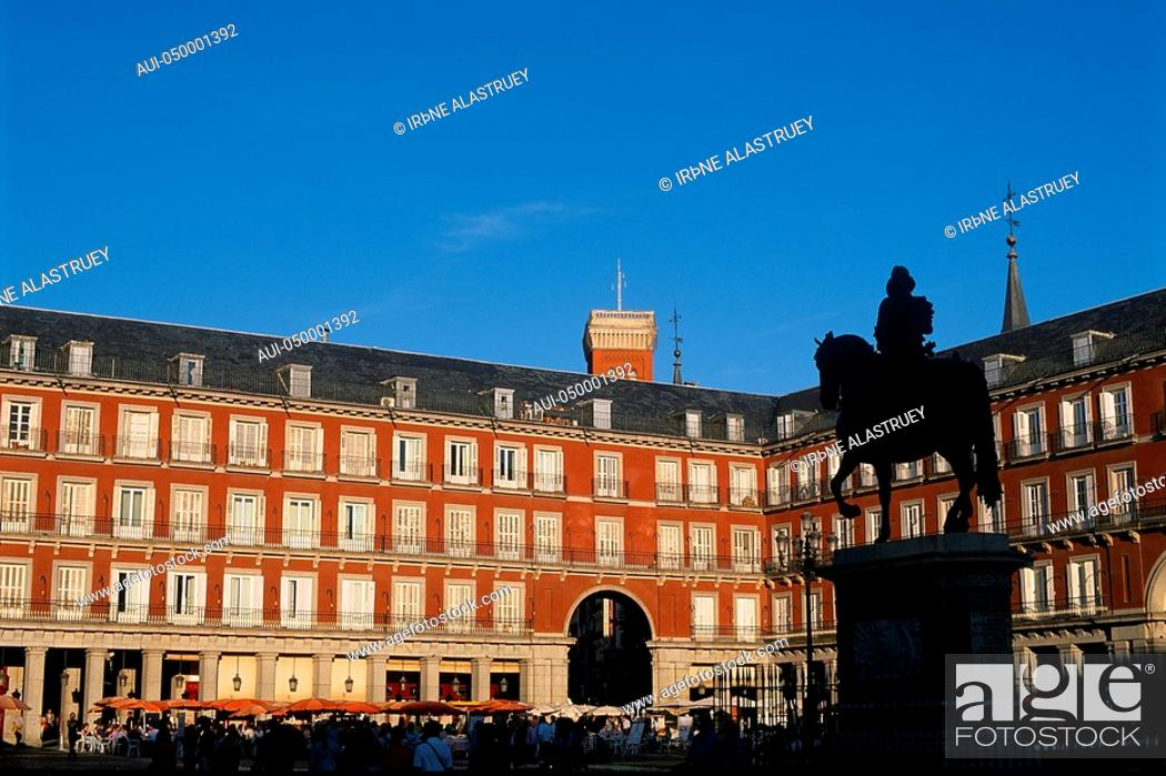 Stock Photo: Spain - Madrid - Plaza Mayor - Statue of King Philip III - large square.