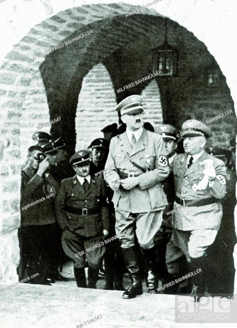 Stock Photo: L. to r. Gauleiter regional branch leader Erich Koch, Adolf Hitler, architect Hermann Giesler, Reichsorganisationsleiter head of the German Labour Front Dr.