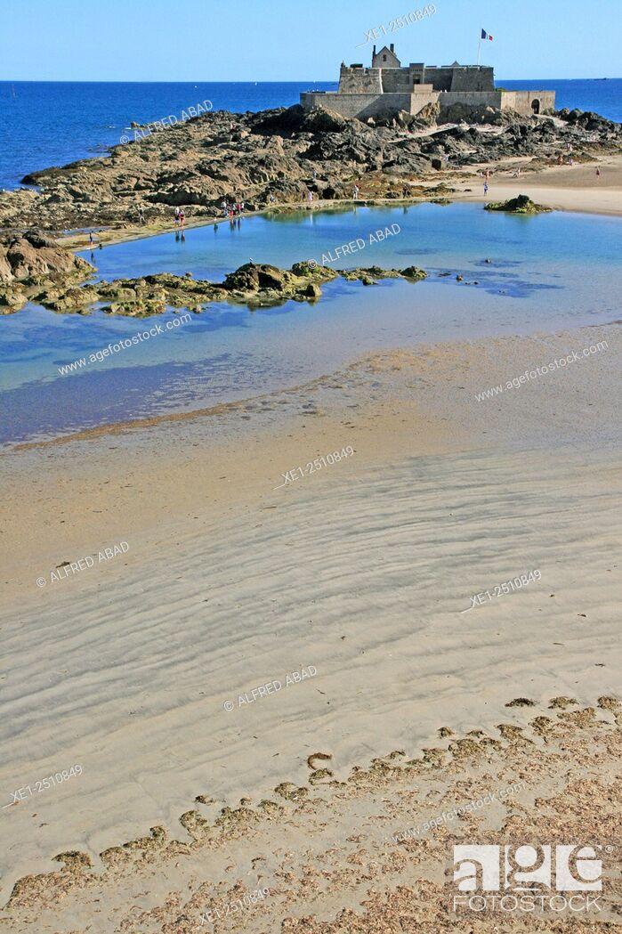 Stock Photo: Le Fort La Reine, beach, Saint Malo, Brittany, France.