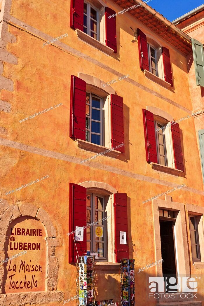 Stock Photo: France, Provence, Roussillon, village, ochre house.