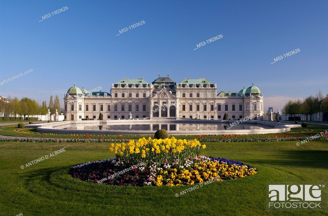 Stock Photo: facade of the upper belvedere palace with pool and garden  Landstrasse district  vienna  austria.