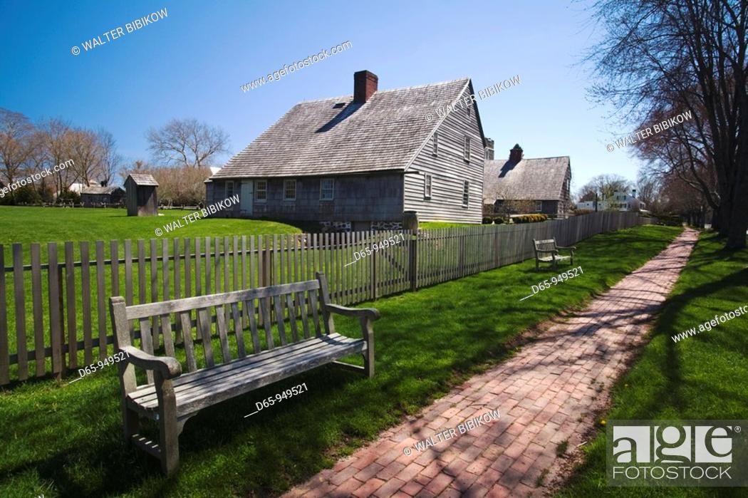 Stock Photo: USA, New York, Long Island, The Hamptons, East Hampton, Mulford Farmstead, historic site, b 1680.