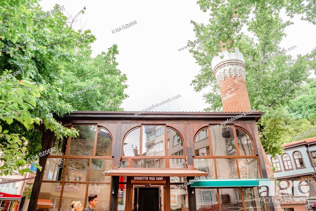 Imagen: Exterior view of Sehabettin Pasha mosque in Bursa,Turkey. 20 May 2018.