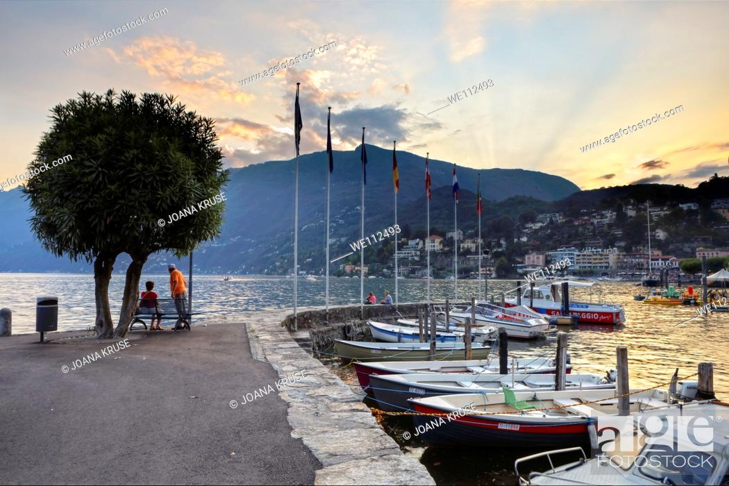 Imagen: Sunset over the hills of Ascona on Lake Maggiore.