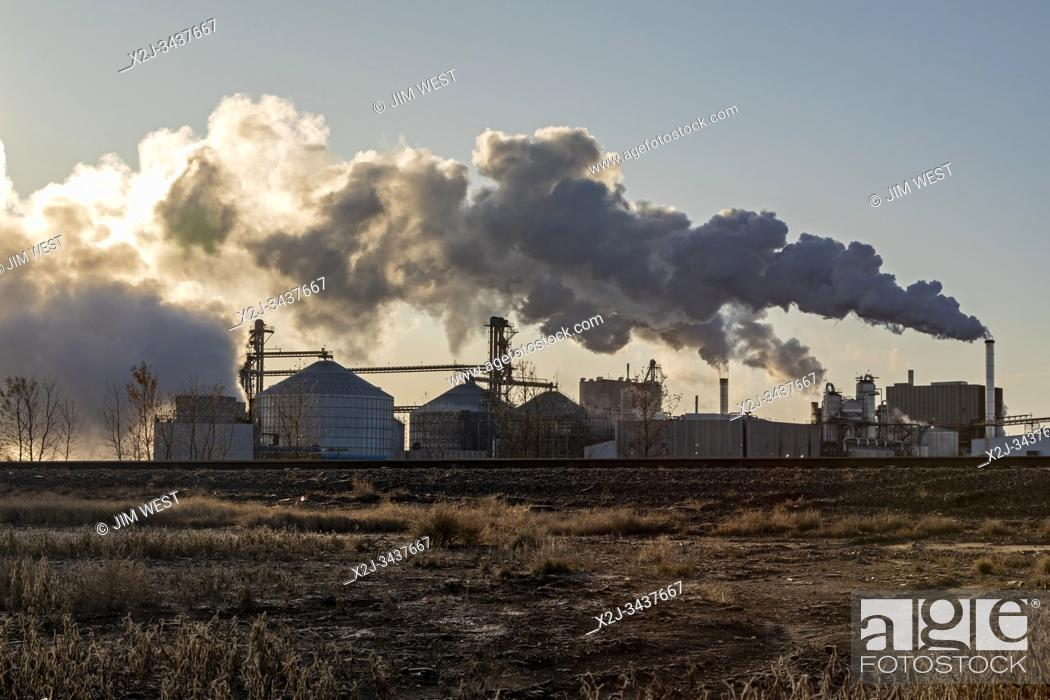 Stock Photo: Casselton, North Dakota - The Tharaldson Ethanol plant, the seventh-largest such plant in the United States. It can produce 153 million gallons of ethanol from.