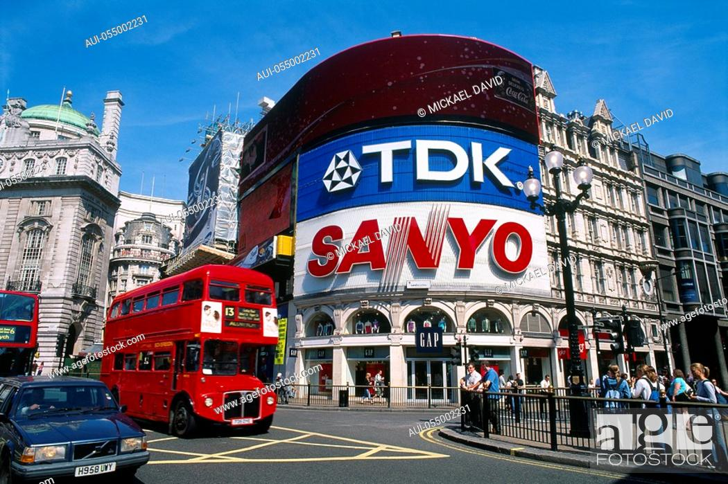 Stock Photo: England - London - Soho district - Piccadilly Circus.