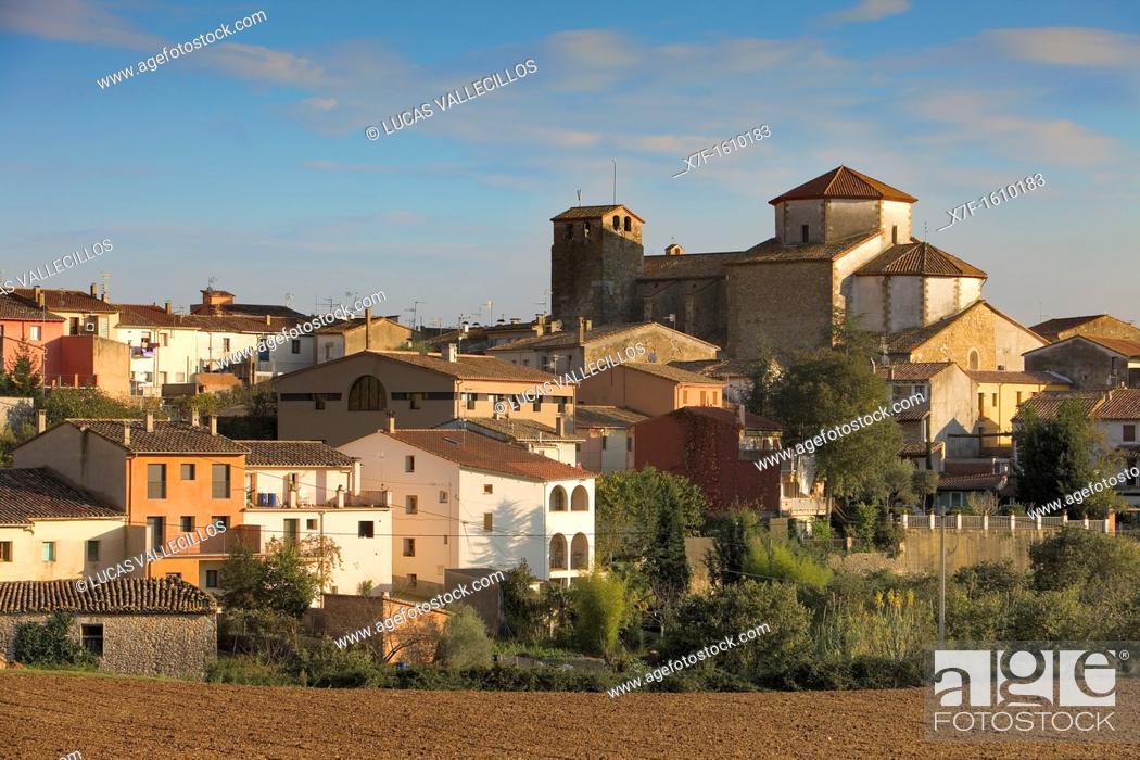 Photo de stock: Tortellà, Garrotxa, Girona, Catalonia, Spain.