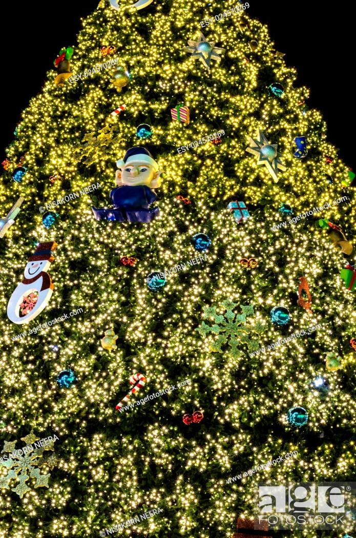 Stock Photo: christmas festival with decorate Christmas tree lighting.