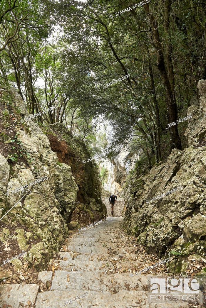 Imagen: Escaleras del Faro del Caballo, Santoña, Cantabria, Spain, Europe.