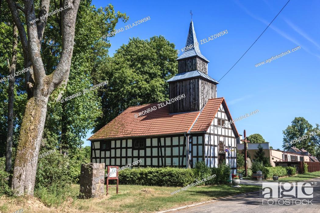Photo de stock: Church of Saint Stanislaus in Iglice village within Lobez County, West Pomeranian Voivodeship of Poland.