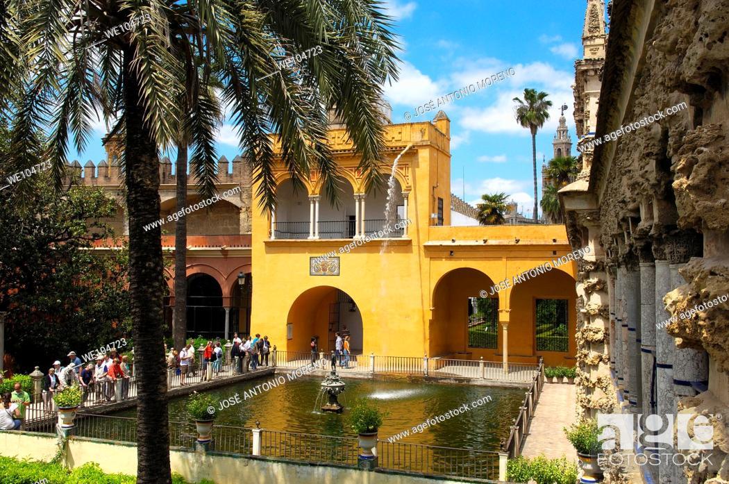 Stock Photo: Gardens of the Alcazar, Reales Alcazares, Seville, Andalusia, Spain.