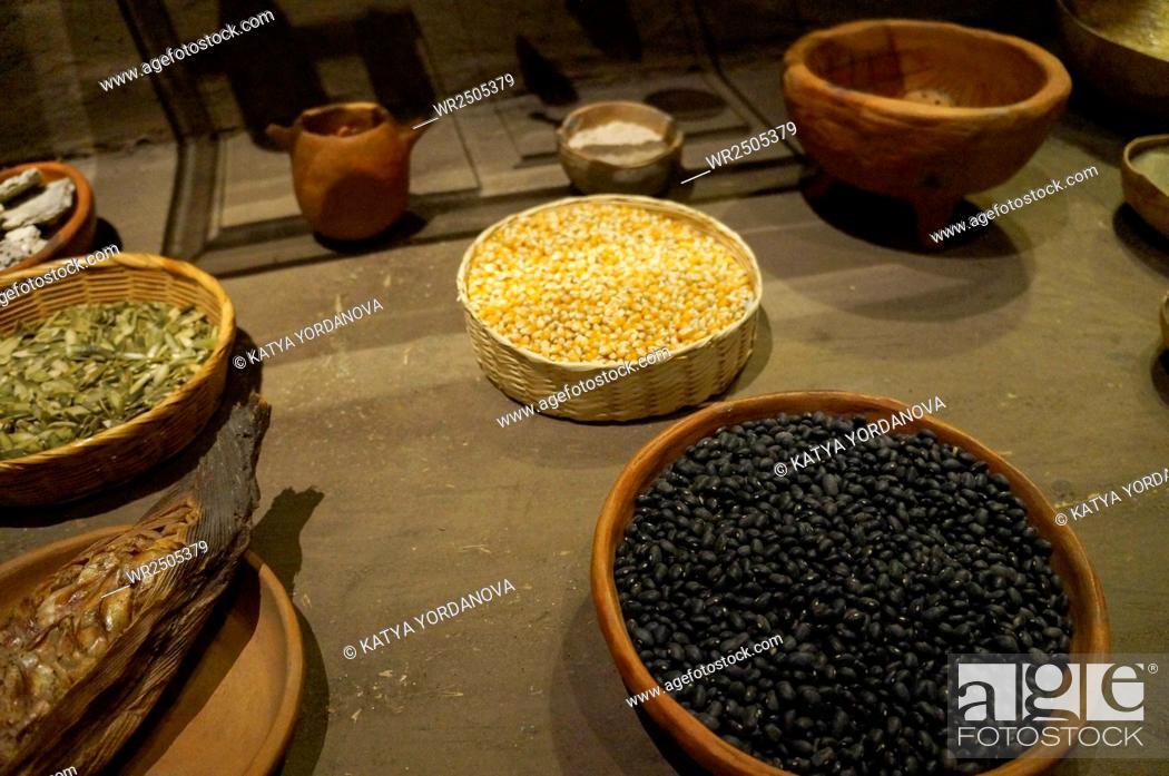 Imagen: Corn and black bean.